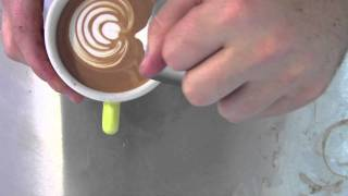 "LATTE ART - tulip ""the tulip farm"" (Ona Coffee)"