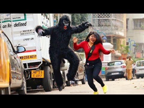 Gorilla Atta¢k Prank On Girls😱😱 Prank Gone Wrong  @The Crazy Infinity   BIGO LIVE