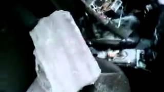 Сосулька упала на машину(, 2013-12-27T17:15:11.000Z)