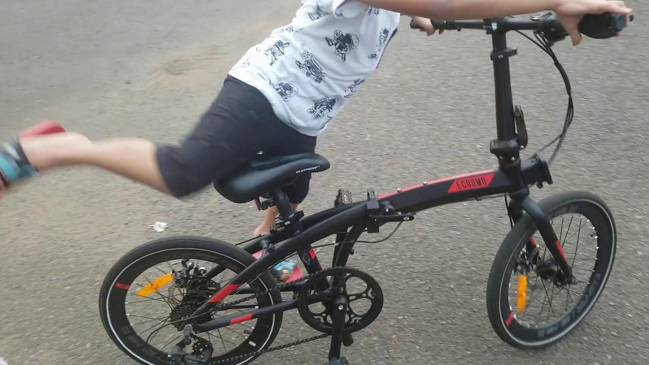 Sepeda lipat asyik juga buat anak-anak - YouTube