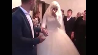 Шок! Чеченка плачет на собственной свадьбе!