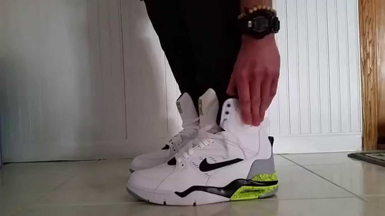 NIKE AIR COMMAND FORCE PUMP DAVID ROBINSON WHITE MEN CANT JUMP BILLY HOYLE  ON FEET REVIEW - YouTube db2deae7d