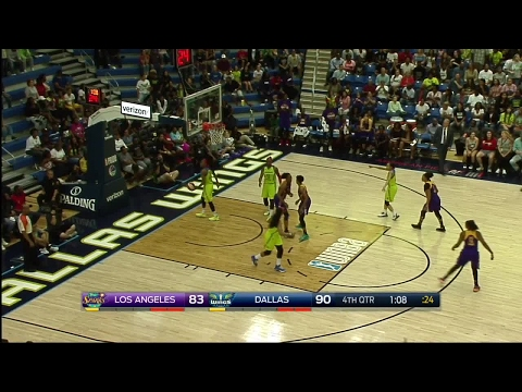 Candace Parker & Nneka Ogwumike Combine for 53p & 19r vs. the Wings