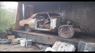 Car crusher crushing cars 39 1965 buick riviera