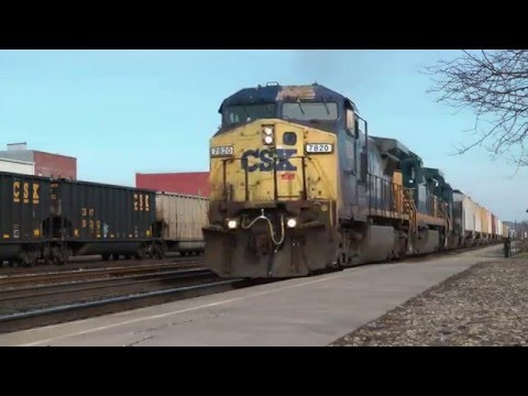 CSX Trains At Huntington, WV [HD]