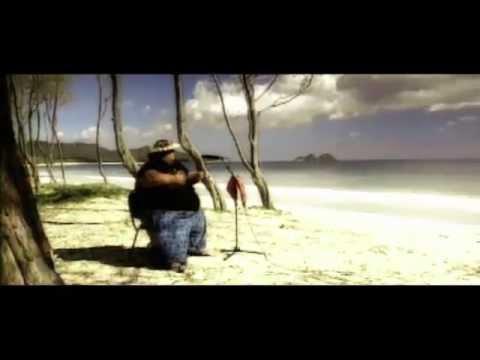"Somewhere Over The Rainbow  ""IZ"" Israel Kamakawiwo'ole  OFFICIAL VIDEO"
