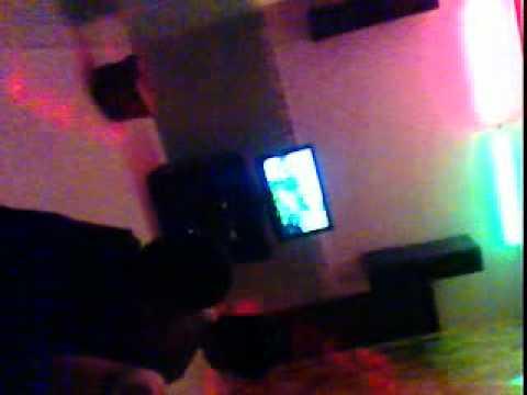 B1 di karaoke