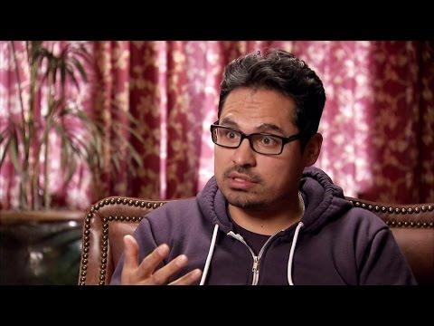 Michael Peña Discusses Becoming An Actor | Mario Lopez: One On One