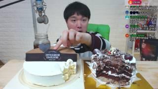 케이크 2판 먹방!! 뚜레쥬르 로맨틱 홀리데이 [화이트…