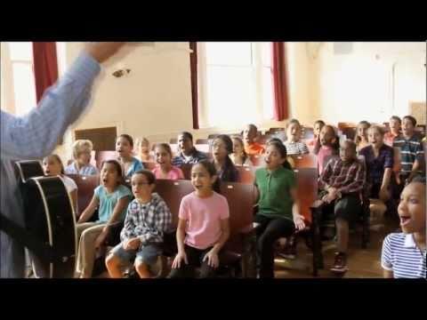 Cola Cola Werbung 2011 - Es gibt viele Gründe, an eine bessere Welt zu glauben (German Subtitles)