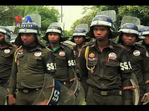Cambodian Workers Demand Release of Union Leaders (Cambodia news in Khmer)