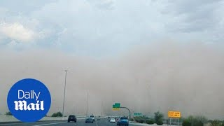 Monster 'haboob' dust storm smashes into Phoenix - Daily Mail