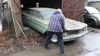 Here's a recent 1960 Pontiac Parisienne garage-find in Toronto