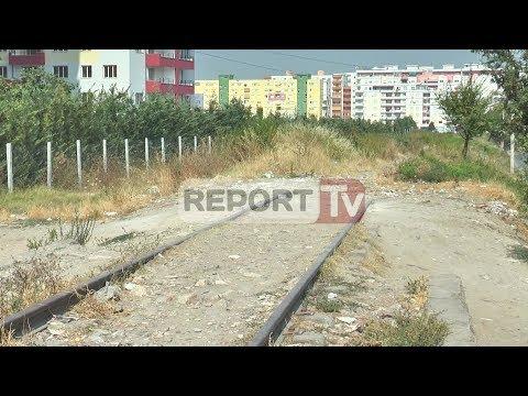 Report TV - Laprakë,rruga e lënë përgjysmë banorët s'hyjnë dot në shtëpi
