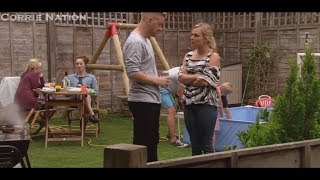 Coronation Street - The Platt's Have A Barbecue