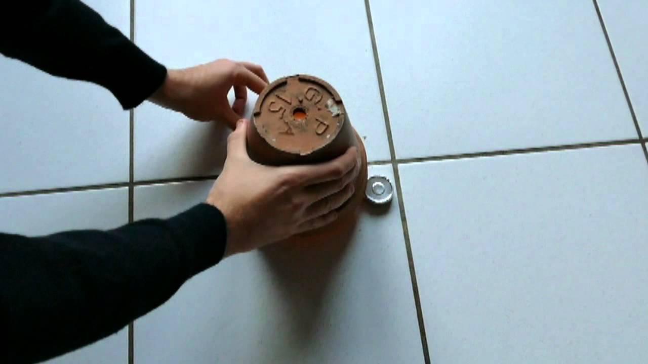 tuto 3 petit chauffage gratuit avec bougie eternelle et 2 pots de fleurs en terre cuite youtube. Black Bedroom Furniture Sets. Home Design Ideas