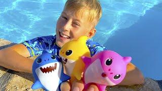 아기 상어가 수영장에 떨어졌습니다 Learn Baby Shark Color with Funny Alex| 핑크퐁 체조! 유치원 교육, 인기동요