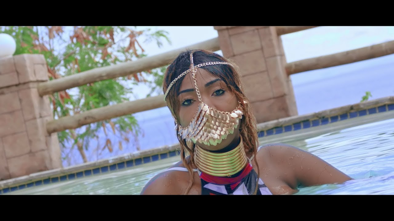 Download Roberto - Beautiful (Official Video)