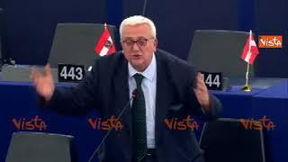 Lo show di Borghezio contro la commissaria UE: