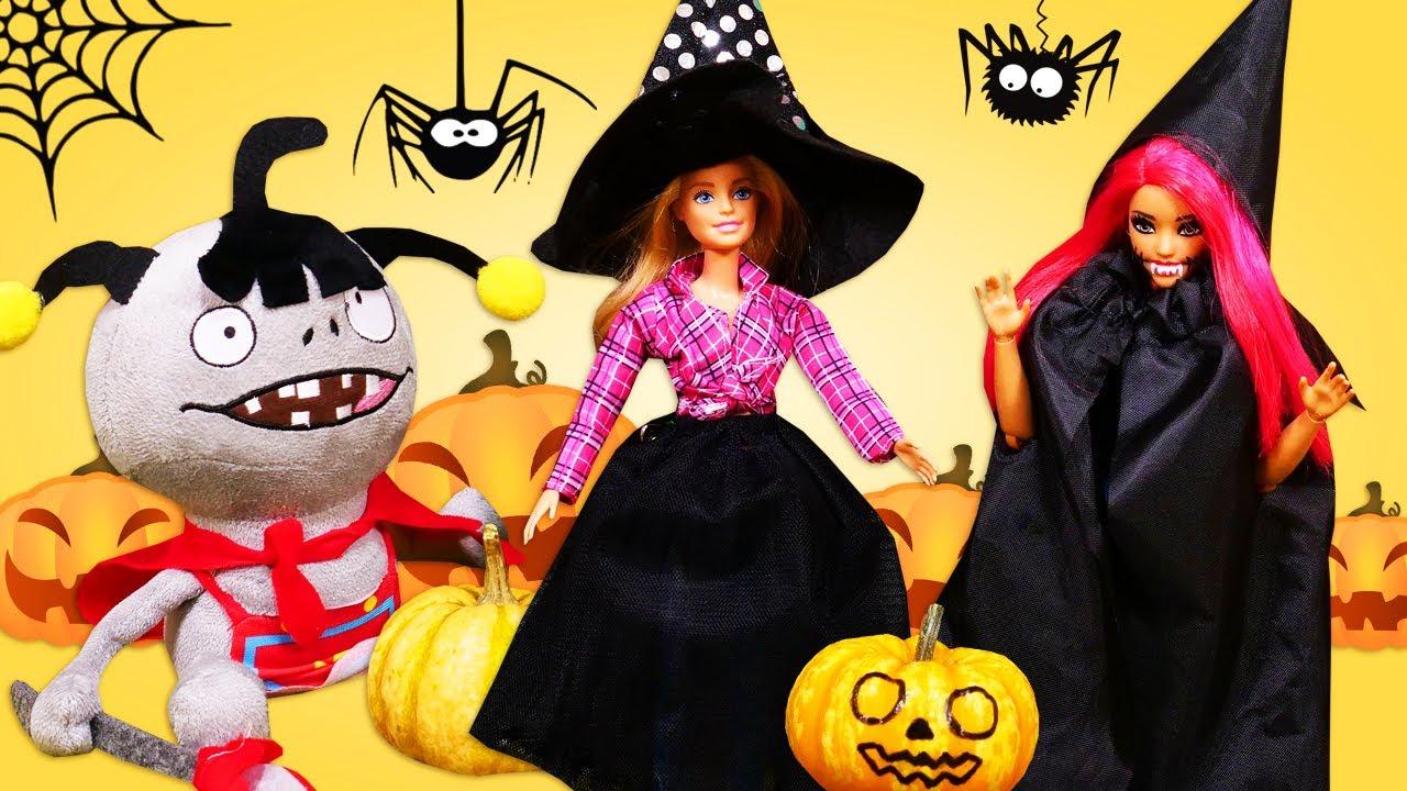Las muñecas Barbie y Teresa decoran una calabaza para Halloween. Vídeos para niñas