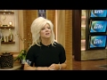 The Long Island Medium Performs a Reading for the LIVE Audience