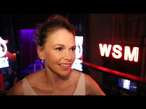 Hit the Red Carpet with Sutton Foster & the Cast of THOROUGHLY MODERN MILLIE