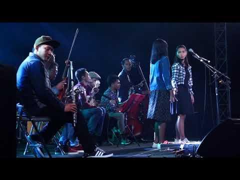 "Mashup Sheila On 7 - Cover By Keroncong Biru (Live At Danggersfest 2017 ""One Love Jogja"")"
