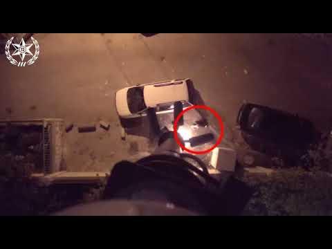 תיעוד: מסתערבים עוצרים ערבי שמצית מצלמות אבטחה