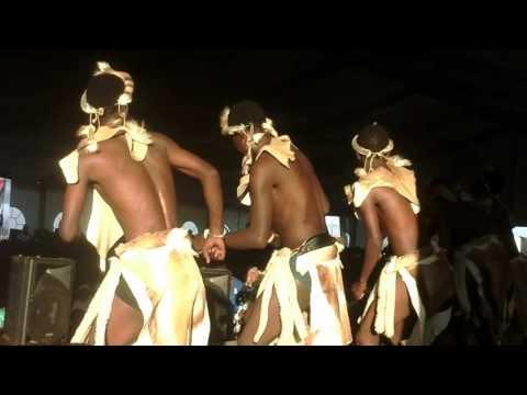 ocelazimnike ngifike bengihleba (performing at msinga)