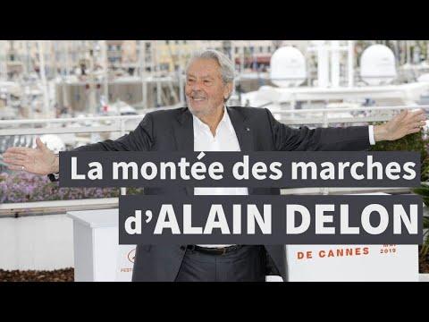 Cannes : Alain Delon monte les marches I AFP Images