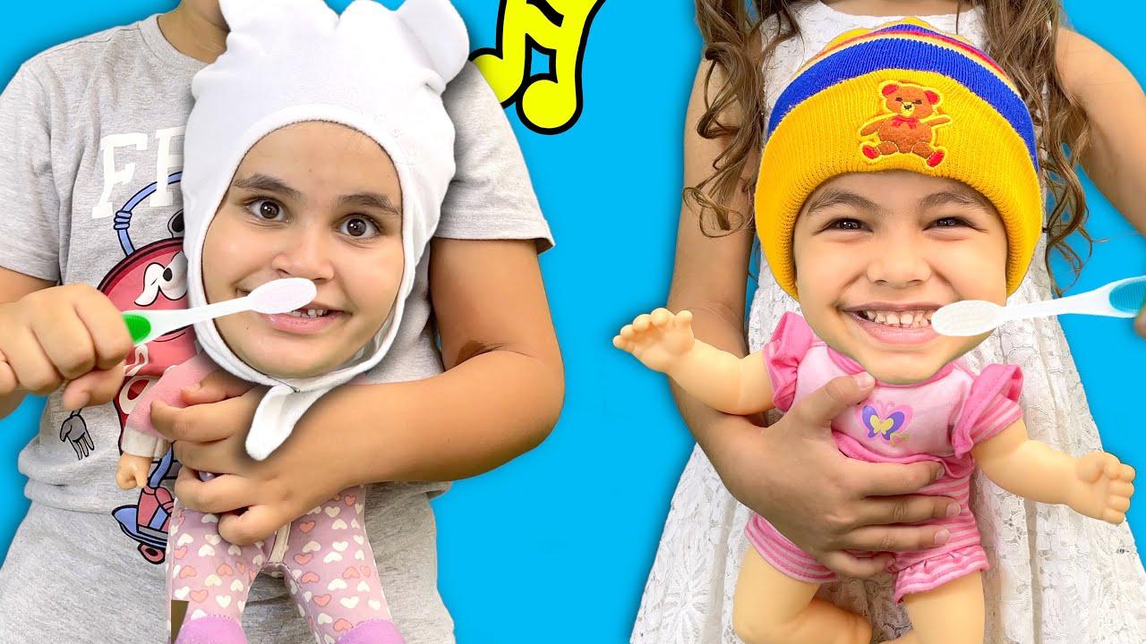 Brush Your Teeth Song | Kai e Clara Escovam os Dentes e dão Banho em Seus Bebês