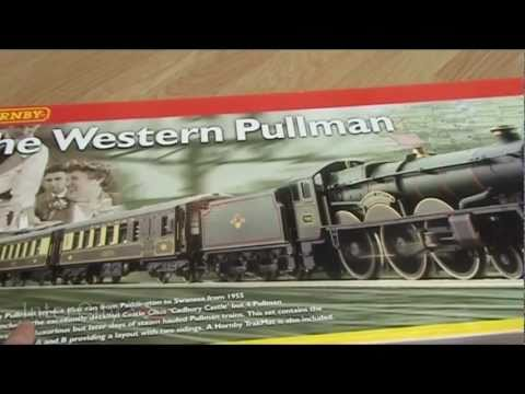Opening 'The Western Pullman' train set by Hornby