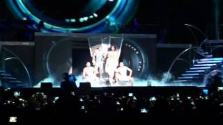 Britney Spears Chile - Opening & Hold It Against Me -Femme Fatale Tour. HD