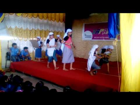 Group dance - kathirulayum