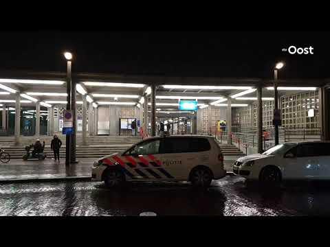 Politie onderzoekt trein op station Enschede