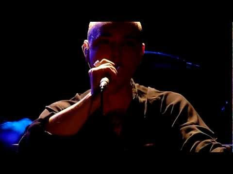 Sinéad O' Connor Take Off Your Shoes @ Paris Trianon