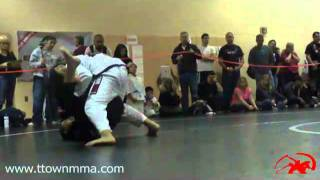 Brazilian Jiu Jitsu Match - Andrew 2 - 11.12.11.mp4