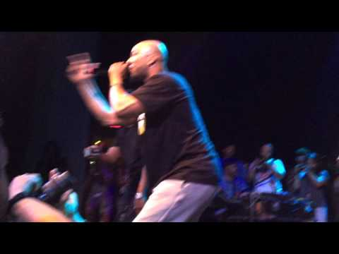 "Common and Slum Village - ""Thelonious"" LIVE"