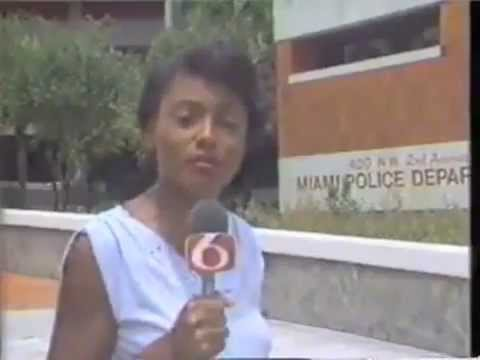 A female reporter turns ghetto in 3 sec lol