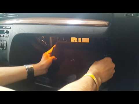 BMW 1- Series Fuse box location (caja de fusibles.) E81 E82 E87 E88