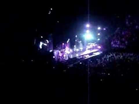 Rihanna Chris Brown Glow in the Dark 5/13 MSG