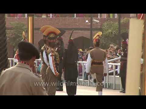 Pakistan Rangers and Indian BSF facing one another%2C Wagah Border