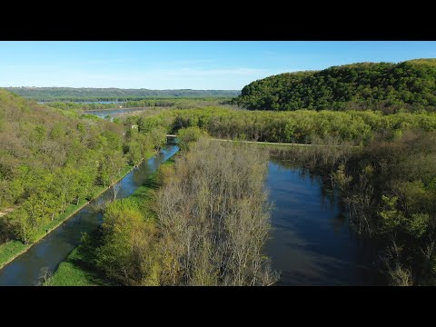 Beautiful Valley Property In Northeast Iowa For Sale (118 Acres)