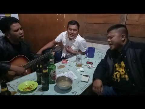 Mardua holong