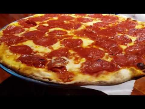 Budd's Pizza Cafe And Sports Hub - Kingston