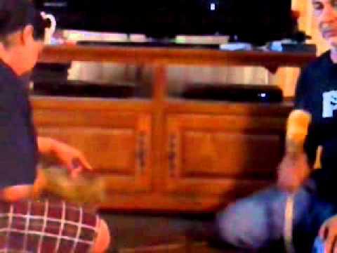 Gil singin Jake drummin