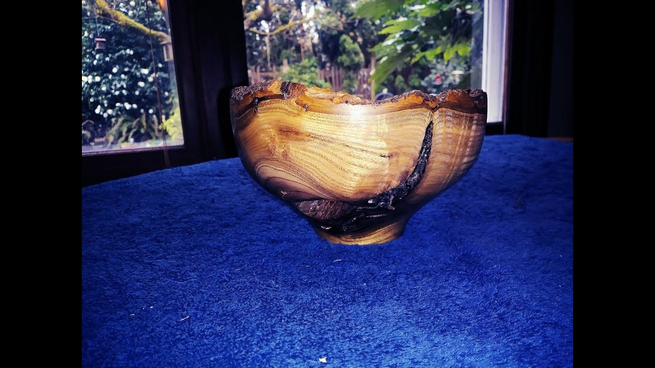 Live Edge Bowl Turning