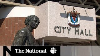 Sir John A. Macdonald statue removed from Victoria city hall