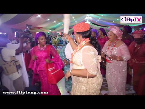 BABA IJEBU'S DAUGHTER,TOLU  DANCES  WITH MOTHER AT WEDDING WITH OBASANJO'S SON, JUWON