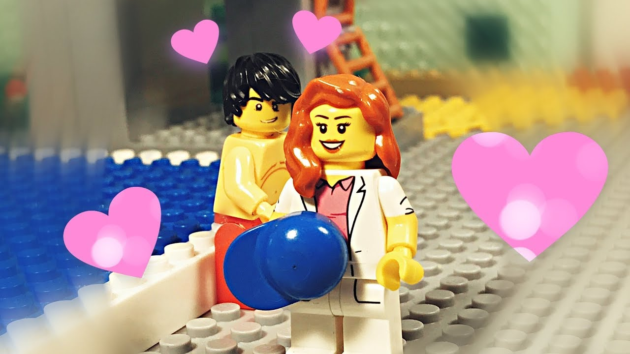 Lego swimming pool love story 💦